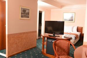 Hotel Glam, Отели  Скопье - big - 5
