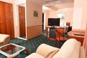 Hotel Glam, Отели  Скопье - big - 37