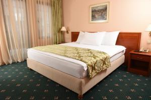Hotel Glam, Отели  Скопье - big - 21
