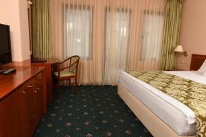 Hotel Glam, Отели  Скопье - big - 22