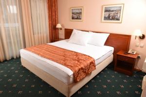 Hotel Glam, Отели  Скопье - big - 38