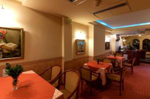 Hotel Glam, Отели  Скопье - big - 46