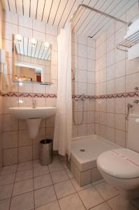 Hotel Glam, Отели  Скопье - big - 25