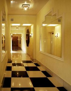 Sterkh Hotel