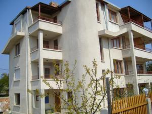 Sotirovi Guest House