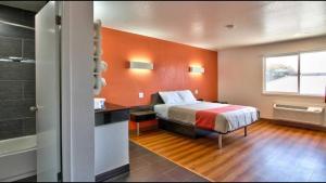 Motel 6 Castroville - Monterey
