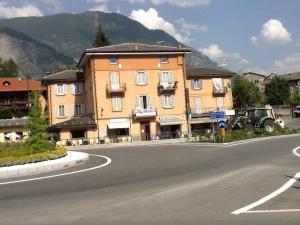 Mansarda Monte Bianco, Апартаменты  Ла-Саль - big - 3