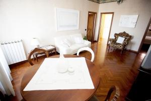 Ecco Marino Casa Vacanze, Apartmanok  Marino - big - 5