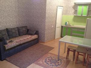 Rooms near the sea, Vendégházak  Jevpatorija - big - 22