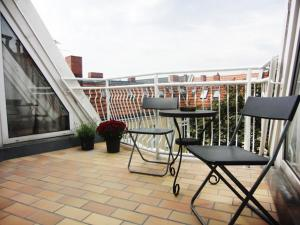 Three-Bedroom Apartment with Roof Terrace