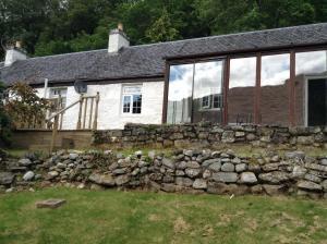 Инвермористон - Darroch View Cottage