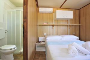 Villaggio Camping Tesonis Beach, Кемпинги  Тертения - big - 40