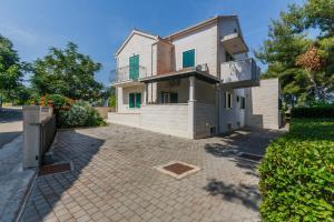 Holiday Home Kamenica, Dovolenkové domy  Mirce - big - 9