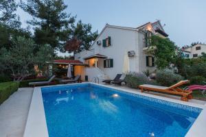 Holiday Home Kamenica, Dovolenkové domy  Mirce - big - 1