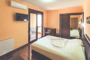 Apartments Midelija