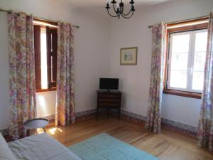Casa da Vila 1B, Guest houses  Sintra - big - 8