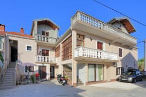 Apartments Kala