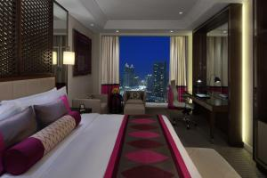 Luxury King Room with City View