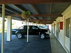 Cairns Motor Inn