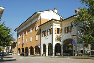 Nearby hotel : Albergo Pittis