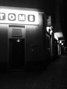 Toms Apartment