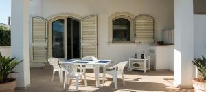 Le Bianche, Apartments  Torre Suda - big - 11