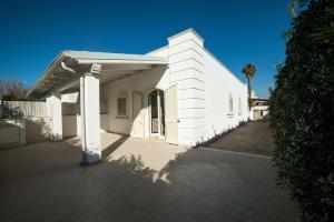 Le Bianche, Apartmanok  Torre Suda - big - 12