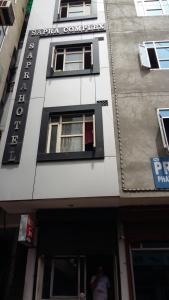 Sapra Hotel