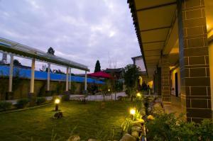 Yunshangju Garden Hotel