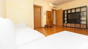 Corso Lucina Apartment