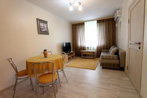 Апартаменты на Наурызбай Батыра 63 - фото 1