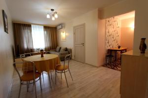 Апартаменты на Наурызбай Батыра 63 - фото 14