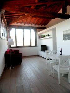 Maggio Apartment