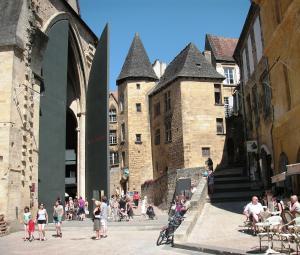 Les Milandes, Case vacanze  Envaux - big - 12