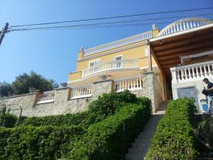 Villa Almaangi