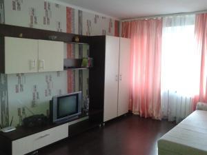 Апартаменты Космонавтов 64 - фото 1