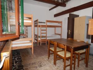 Stari Hrast Hostel