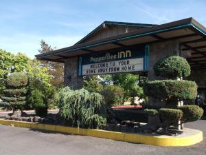 Pepper Tree Inn, Hotels  Beaverton - big - 41