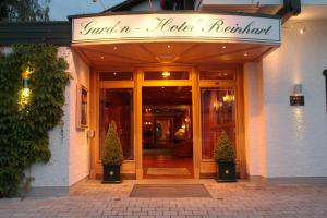Garden-Hotel Reinhart, Отели  Прин-ам-Кимзее - big - 32