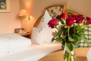 Garden-Hotel Reinhart, Отели  Прин-ам-Кимзее - big - 11