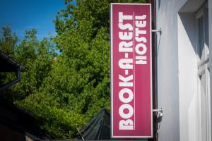 Бухарест - BOOK-A-REST Hostel