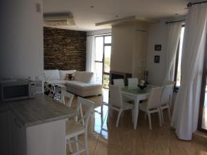 Villa Bellerose, Holiday homes  Bozhurets - big - 41