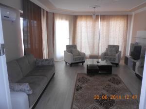Yapi-Form Penthouse Apart