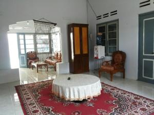 (Bukittinggi Holiday Home)