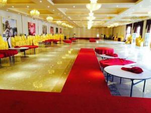 Yantai Ninghai Star Business Hotel