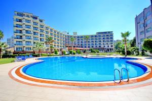 Отель Royal Palace Kuşadası Hotel, Кушадасы