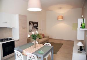 Apartment Corso Cavour, Apartmány  Bari - big - 12