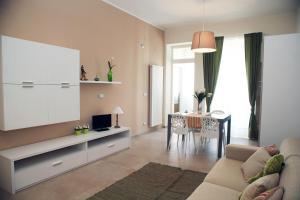 Apartment Corso Cavour, Apartmány  Bari - big - 18