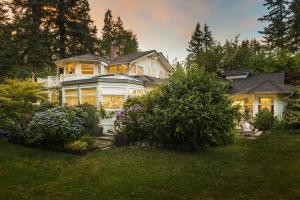 ThistleDown House, Bed and Breakfasts  North Vancouver - big - 30