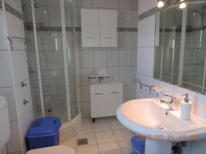 Apartments Villa Tanja, Ferienwohnungen  Trogir - big - 16